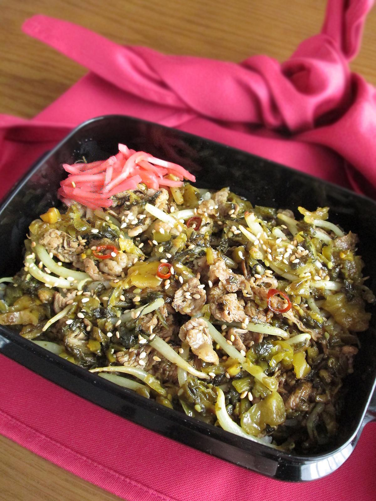 牛肉と海苔佃煮の高菜炒め丼